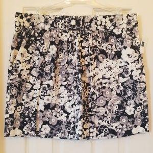 NWT - Gap flowered skirt